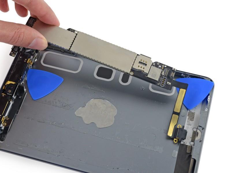 Sửa lỗi nguồn, treo logo - Thay ổ cứng iPad Mini 2