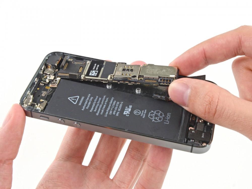 Thay IC hiển thị cảm ứng iPhone 5S - CellphoneS-0
