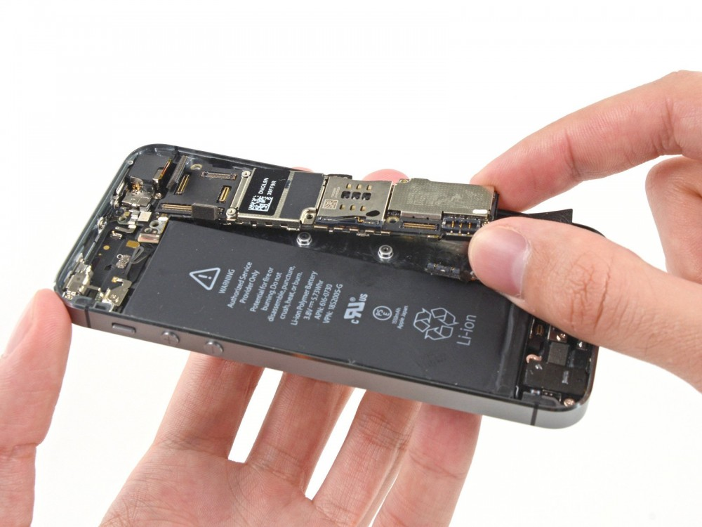 Thay IC nguồn iPhone 5- CellphoneS-0