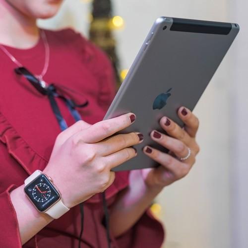 Apple iPad 9.7 4G 128 GB cũ | CellphoneS.com.vn-2