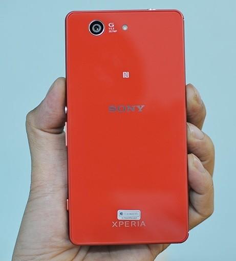 Thay cam sau Sony Z3 Compact