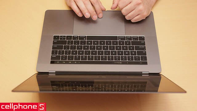 Apple MacBook Pro 15 inch Touch Bar 512GB MR972 (2018)