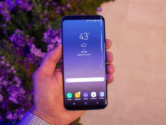 """Galaxy S8 chứng tỏ độ """"hót"""" với 1 triệu đơn đặt hàng tại Hàn Quốc"""