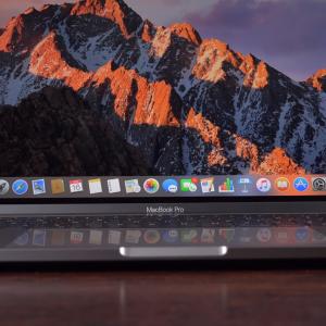 Sforum - Trang thông tin công nghệ mới nhất Screenshot-13-300x300 Mở hộp MacBook Pro 2017: Nâng cấp chip Intel Kaby Lake, thiết kế không đổi