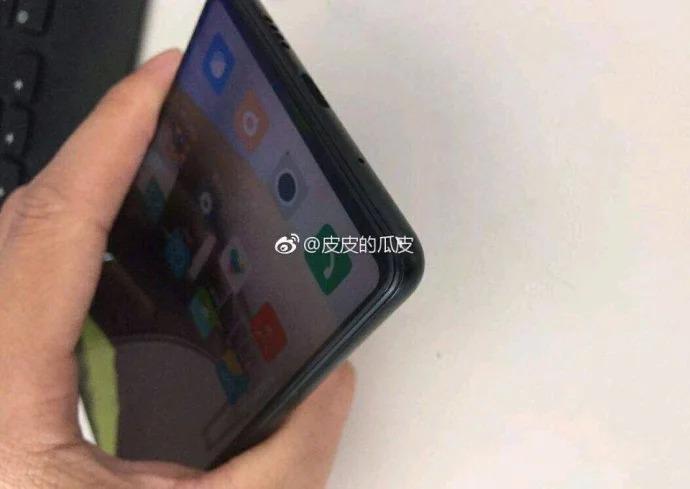 Sforum - Trang thông tin công nghệ mới nhất Xiaomi-Mi-MIX-3-leaked-photos-1 Xiaomi Mi MIX 3 lộ ảnh thực tế: Thay đổi hoàn toàn về thiết kế, có camera kép, cảm biến vân tay dưới màn hình