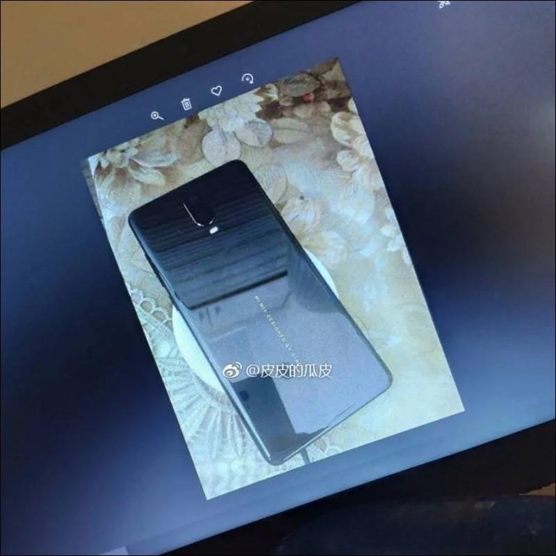 Sforum - Trang thông tin công nghệ mới nhất Xiaomi-Mi-MIX-3-leakedphotos-3 Xiaomi Mi MIX 3 lộ ảnh thực tế: Thay đổi hoàn toàn về thiết kế, có camera kép, cảm biến vân tay dưới màn hình