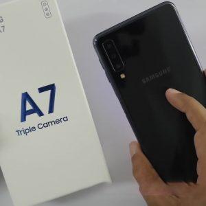 Sforum - Trang thông tin công nghệ mới nhất Galaxy-A7-2018-300x300 Mở hộp Galaxy A7 (2018): 3 camera sau, cảm biến vân tay ở cạnh bên, sắp ra mắt tại Việt Nam