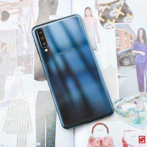 Sforum - Trang thông tin công nghệ mới nhất IMG_0767-300x300 Trên tay Galaxy A7 2018: 3 camera sau, chip Exynos 7885, vân tay cạnh bên, giá 7.69 triệu
