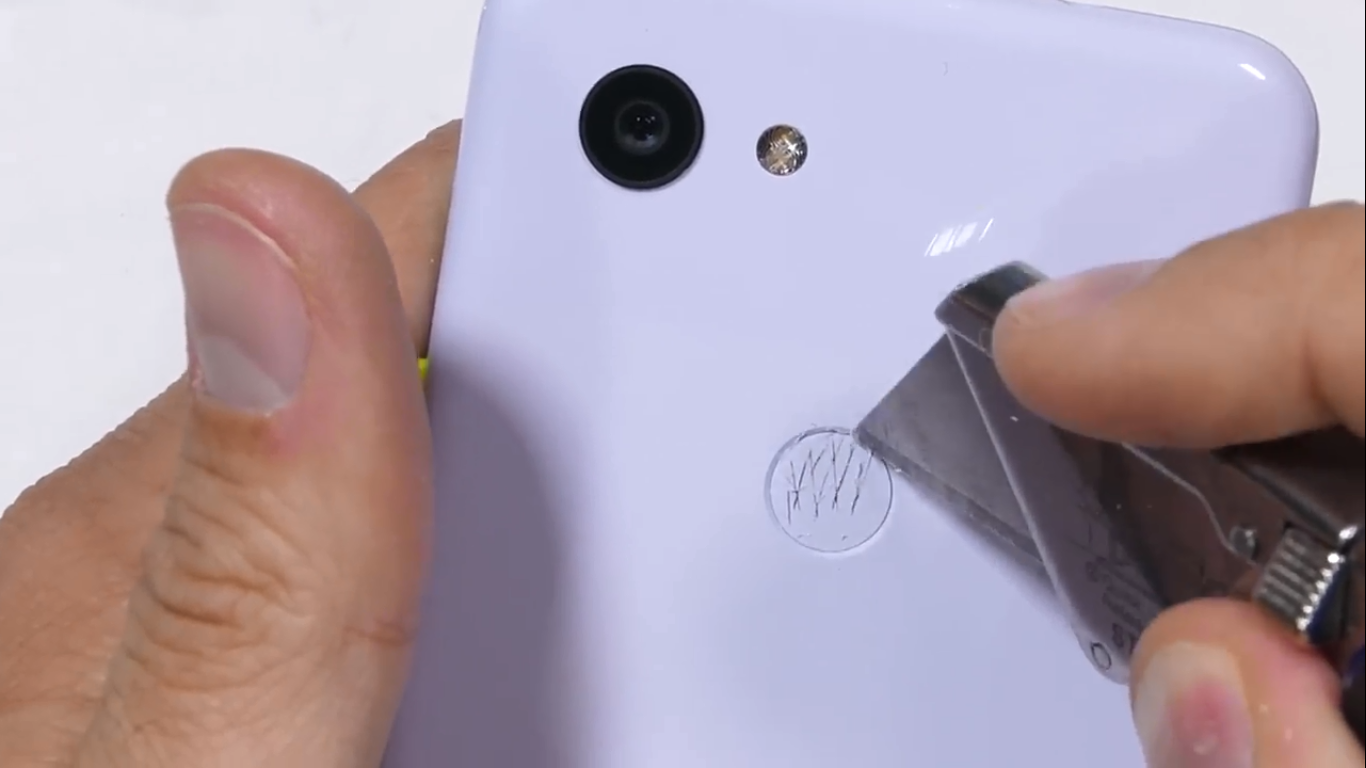 Sforum - Latest technology information page 2019-05-30-2 Pixel 3 durability test: Plastic is plastic but very sturdy