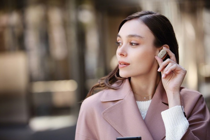 Sforum - Latest technology information page WF-1000XM3_S_WearingSensor2-Large-1-920x613 Forget the AirPods, this new Sony wireless headset is worth the money and experience