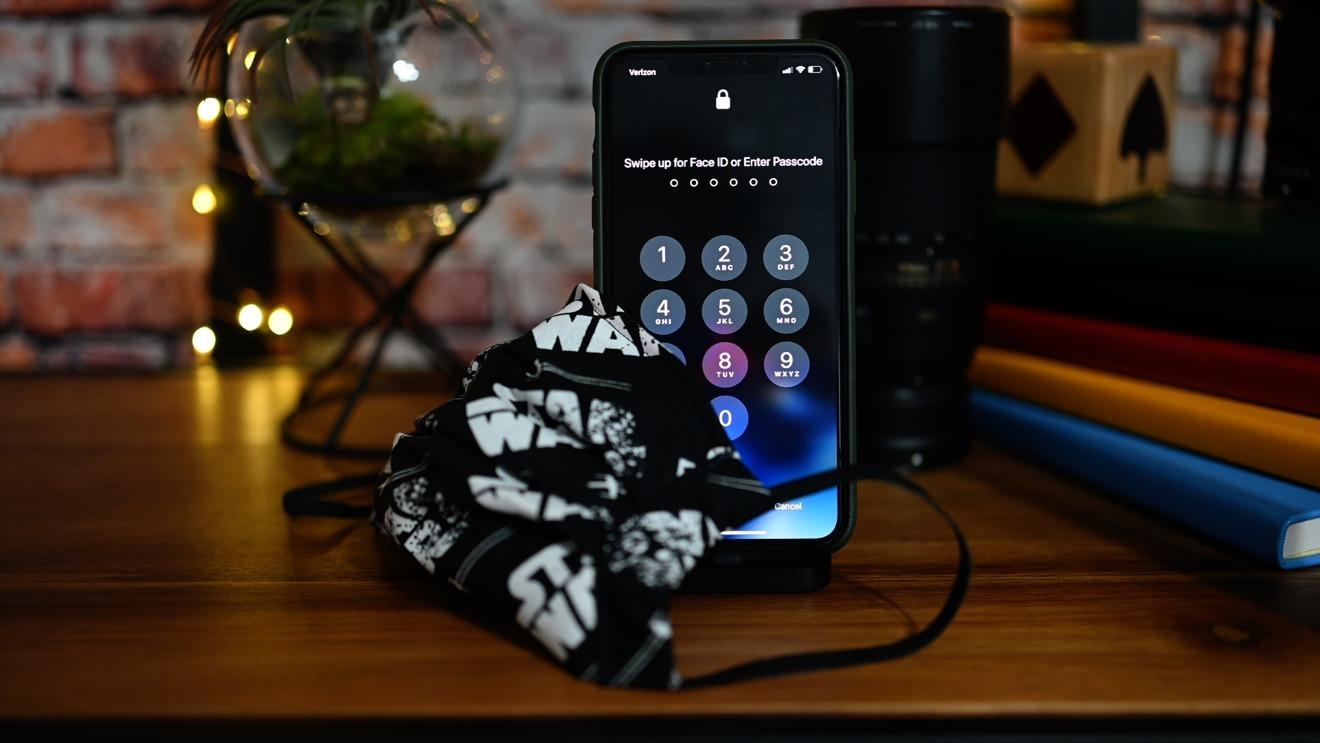 Sforum - Trang thông tin công nghệ mới nhất 35846-66140-35577-65419-Face-Mask-and-iPhone-IOS-135-xl-xl Apple tung ra bản cập nhật iOS 12.4.7, iOS 13.5, iPad OS 13.5, tvOS 13.4.5