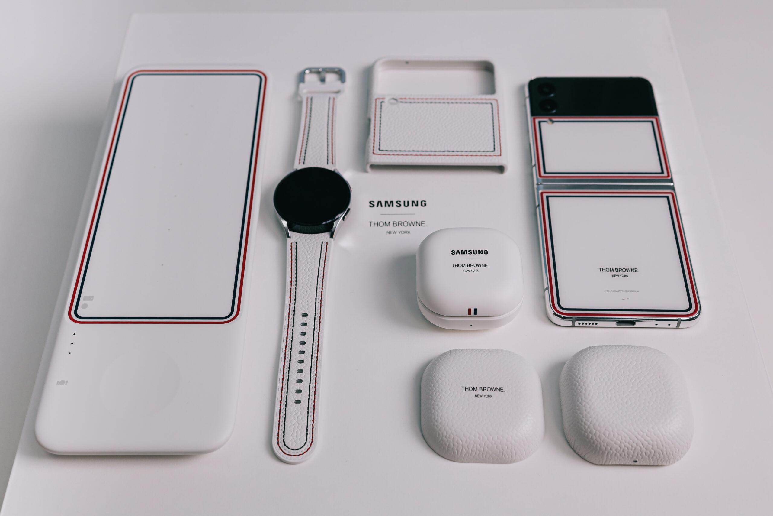 """Sforum - Trang thông tin công nghệ mới nhất 0X4A0224-2-scaled Mở hộp Galaxy Z Flip3 phiên bản Thom Browne cực """"chanh sả"""": Giá 57 triệu đồng thôi nhưng có tiền cũng không mua được!"""